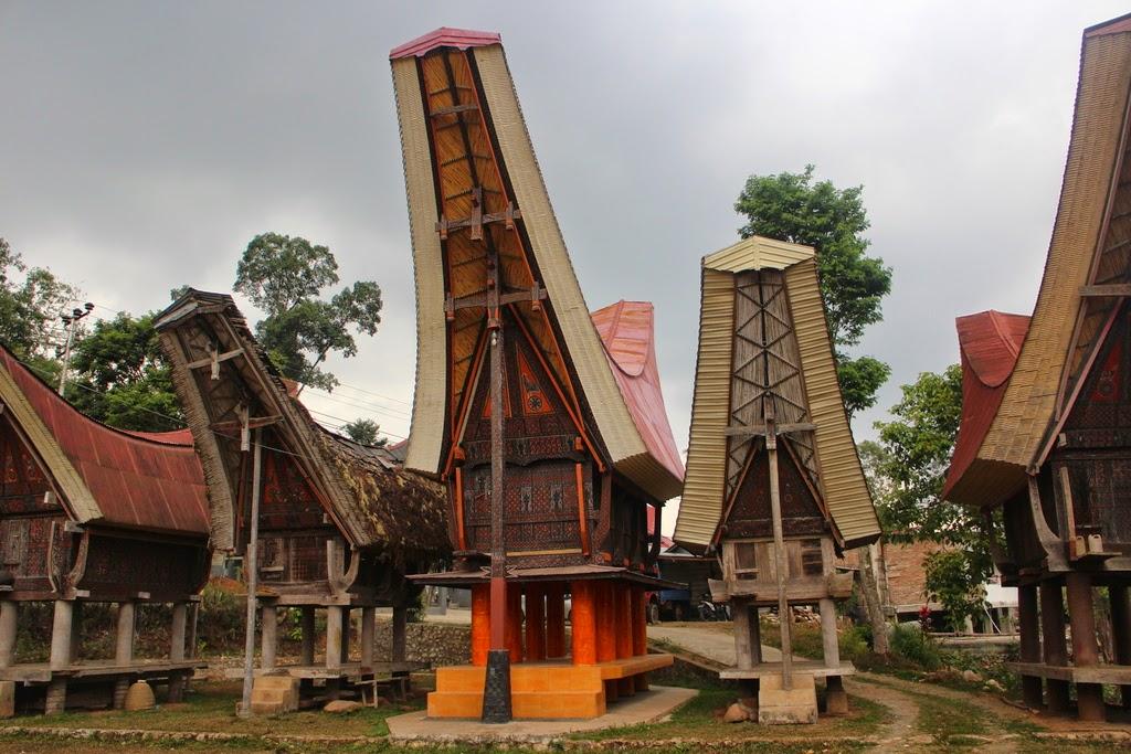 Inéquations, tableaux de signes, factorisation, identité, seconde, Rantepao, Toraja