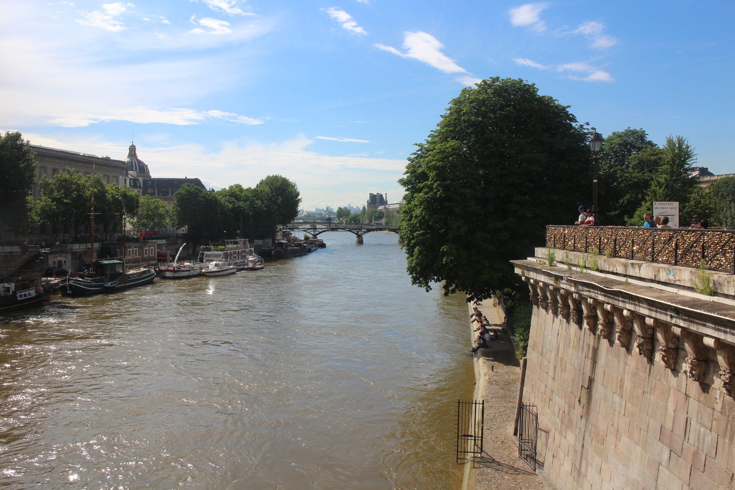 Géométrie 2D, intersection de cercle et droite, tangente, première, La Seine, Paris